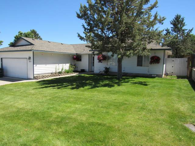1015 SW Kenwood Drive, Madras, OR 97741 (MLS #220103834) :: Berkshire Hathaway HomeServices Northwest Real Estate