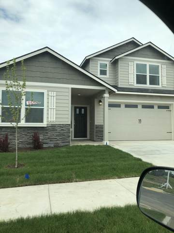 2499 NW Hazelwood Avenue, Redmond, OR 97756 (MLS #220103875) :: Bend Relo at Fred Real Estate Group