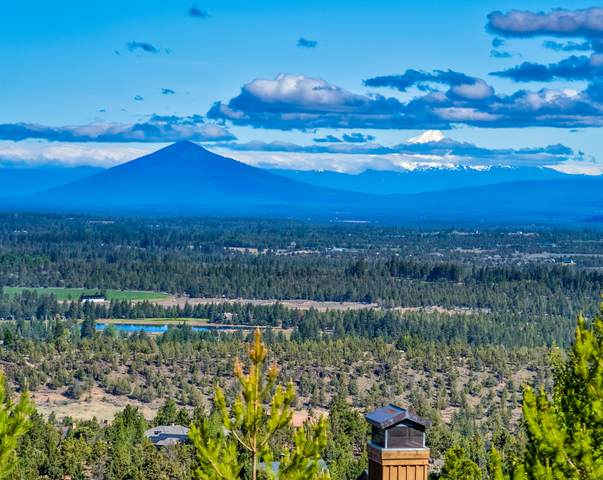 1565 NW Overlook Drive, Bend, OR 97703 (MLS #220103915) :: Berkshire Hathaway HomeServices Northwest Real Estate