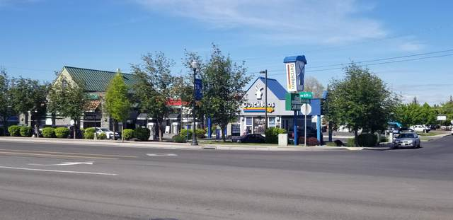 650 NW Jackpine Avenue, Redmond, OR 97756 (MLS #220103943) :: CENTURY 21 Lifestyles Realty