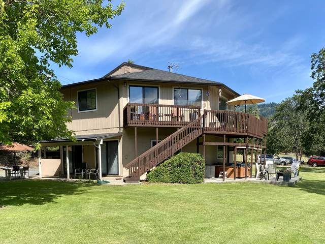 2777 W Evans Creek Road, Rogue River, OR 97537 (MLS #220104000) :: Berkshire Hathaway HomeServices Northwest Real Estate