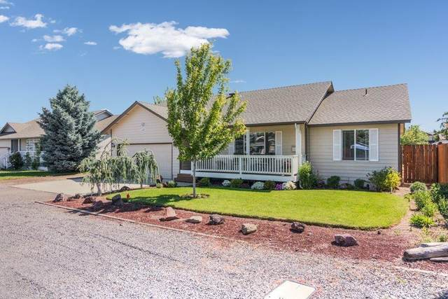 2240 SW 24th Street, Redmond, OR 97756 (MLS #220104017) :: Coldwell Banker Bain