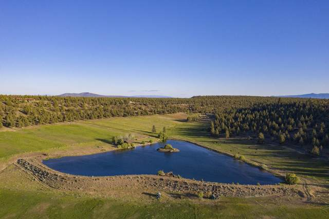 71100 Holmes Road, Sisters, OR 97759 (MLS #220104100) :: Fred Real Estate Group of Central Oregon