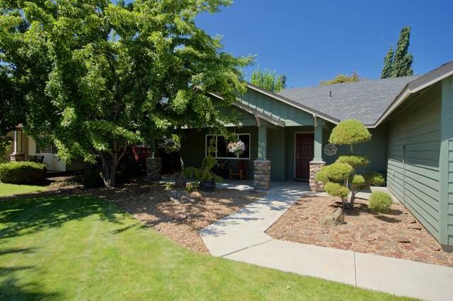 2111 NW Poplar Avenue, Redmond, OR 97756 (MLS #220104108) :: Team Birtola   High Desert Realty