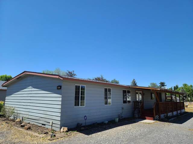 4417 Bartlett Avenue, Klamath Falls, OR 97603 (MLS #220104166) :: The Ladd Group