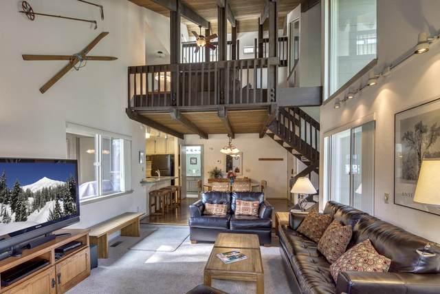 57009 Tennis Village Lane, Sunriver, OR 97707 (MLS #220104167) :: Berkshire Hathaway HomeServices Northwest Real Estate