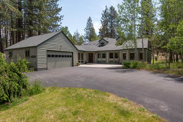 60210 Ridgeview Drive, Bend, OR 97701 (MLS #220104170) :: The Ladd Group