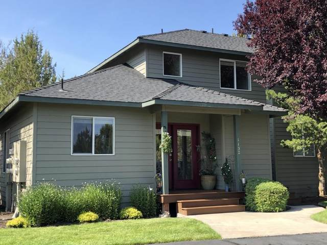 1132 Golden Pheasant Drive, Redmond, OR 97756 (MLS #220104185) :: The Ladd Group