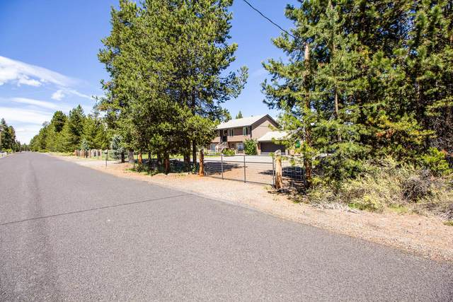 52636 Center Drive, La Pine, OR 97739 (MLS #220104226) :: Bend Homes Now