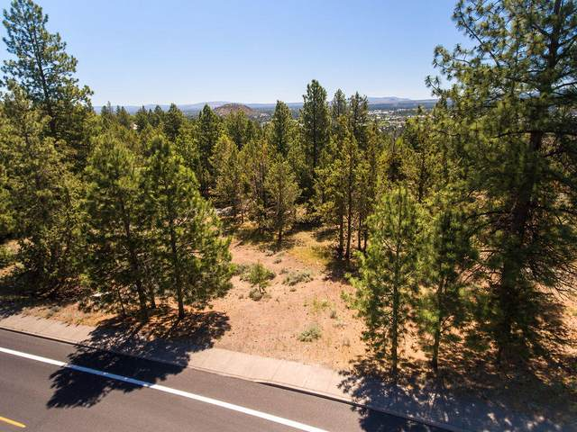 1345 NW Summit Drive, Bend, OR 97701 (MLS #220104230) :: Berkshire Hathaway HomeServices Northwest Real Estate