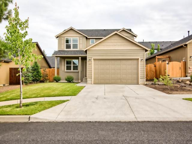 611 SE Glengarry Place, Bend, OR 97702 (MLS #220104234) :: Bend Homes Now