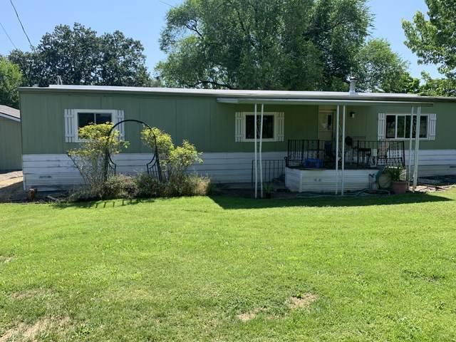 6312 Ponderosa Street, Central Point, OR 97502 (MLS #220104259) :: Windermere Central Oregon Real Estate