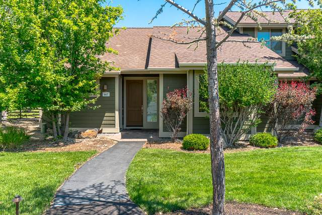 667 Sagebush Circle, Redmond, OR 97756 (MLS #220104276) :: The Ladd Group