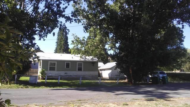 1621 Fremont Street, Klamath Falls, OR 97601 (MLS #220104319) :: CENTURY 21 Lifestyles Realty