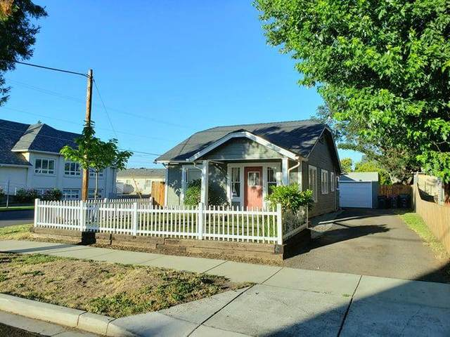 264 Beatty Street, Medford, OR 97501 (MLS #220104370) :: The Ladd Group