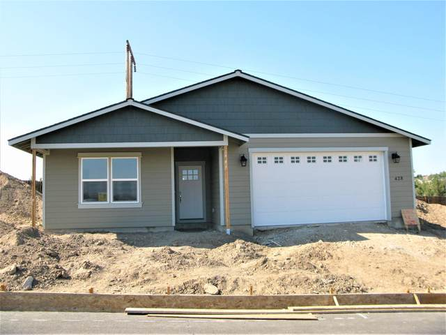 408 SE Leisek Way, Madras, OR 97741 (MLS #220104375) :: Team Birtola | High Desert Realty