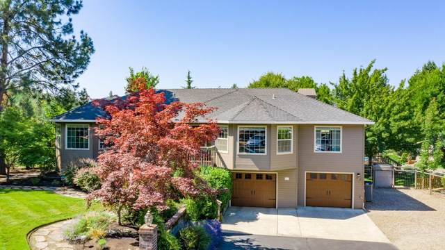 905 Gleneden Way, Jacksonville, OR 97530 (MLS #220104381) :: FORD REAL ESTATE