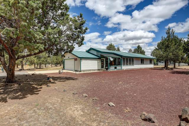 12113 SW Chaparral Place, Terrebonne, OR 97760 (MLS #220104383) :: Fred Real Estate Group of Central Oregon