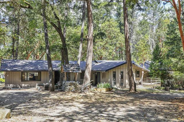 6576 Whispering Pines Lane, Jacksonville, OR 97530 (MLS #220104457) :: FORD REAL ESTATE