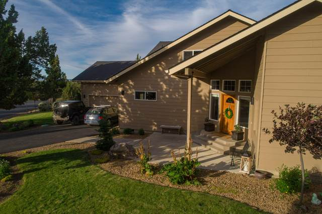 568 Widgeon Road, Redmond, OR 97756 (MLS #220104461) :: The Ladd Group