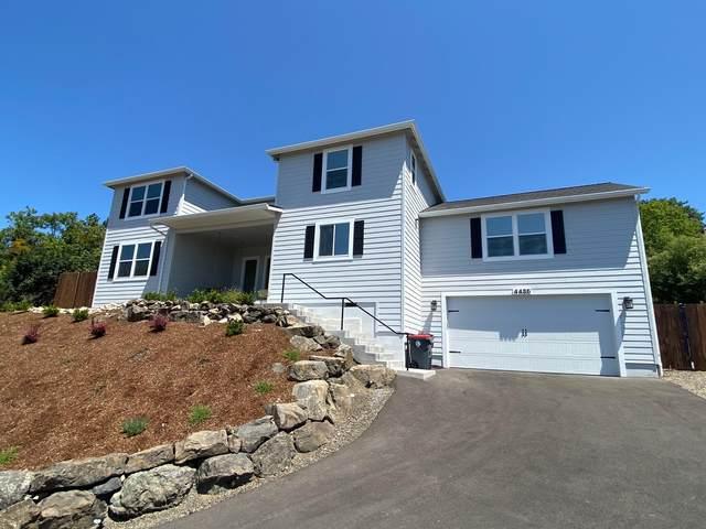 4486 Innsbruck Ridge, Medford, OR 97504 (MLS #220104502) :: Berkshire Hathaway HomeServices Northwest Real Estate