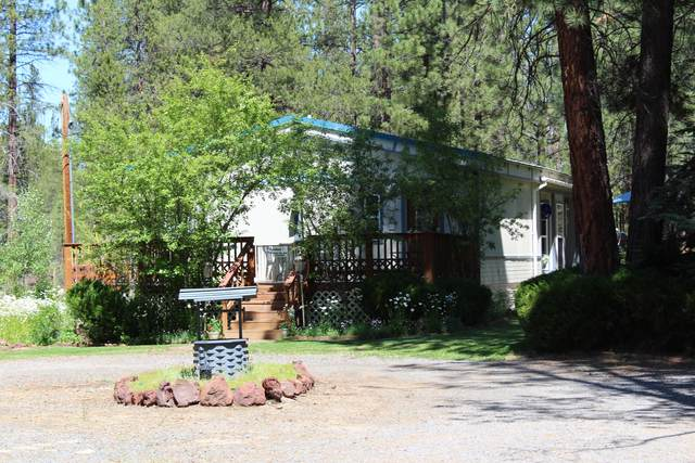 15036 Yorkie Lane, La Pine, OR 97739 (MLS #220104536) :: Berkshire Hathaway HomeServices Northwest Real Estate