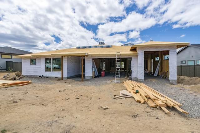 60865 SW Deer Creek Place, Bend, OR 97702 (MLS #220104555) :: CENTURY 21 Lifestyles Realty