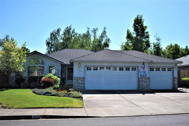 2123 Martin Drive, Medford, OR 97501 (MLS #220104568) :: Berkshire Hathaway HomeServices Northwest Real Estate