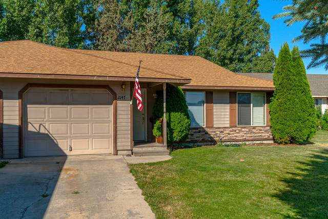 2147 SW Canyon Drive, Redmond, OR 97756 (MLS #220104623) :: Berkshire Hathaway HomeServices Northwest Real Estate