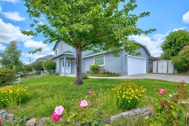 1024 Rainwood Lane, Grants Pass, OR 97527 (MLS #220104640) :: Berkshire Hathaway HomeServices Northwest Real Estate