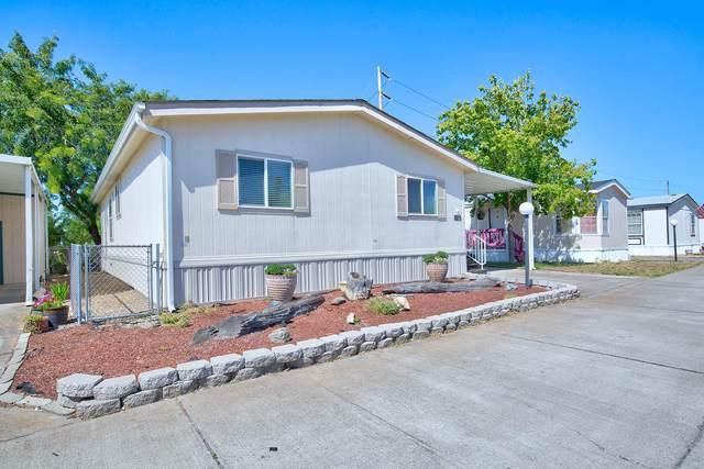 772 Nita Lynne, Medford, OR 97504 (MLS #220104648) :: Berkshire Hathaway HomeServices Northwest Real Estate
