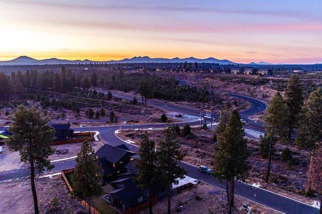 19306 SW Marshmallow Place, Bend, OR 97702 (MLS #220104649) :: Fred Real Estate Group of Central Oregon