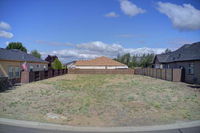 53 Pebble Creek Drive, Eagle Point, OR 97524 (MLS #220104681) :: FORD REAL ESTATE