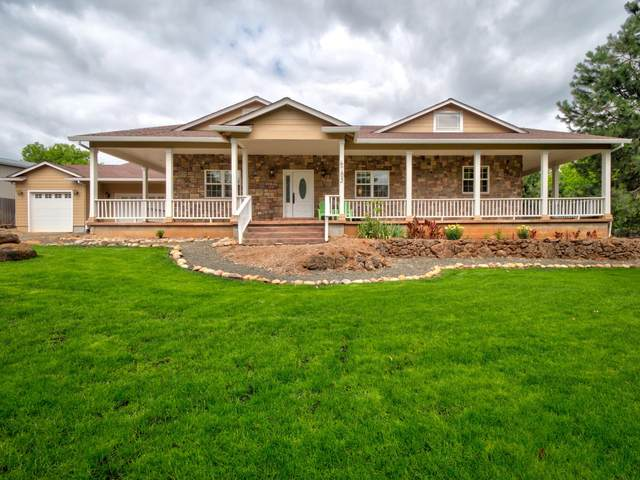 6783 Rogue River Drive, Shady Cove, OR 97539 (MLS #220104717) :: Bend Relo at Fred Real Estate Group