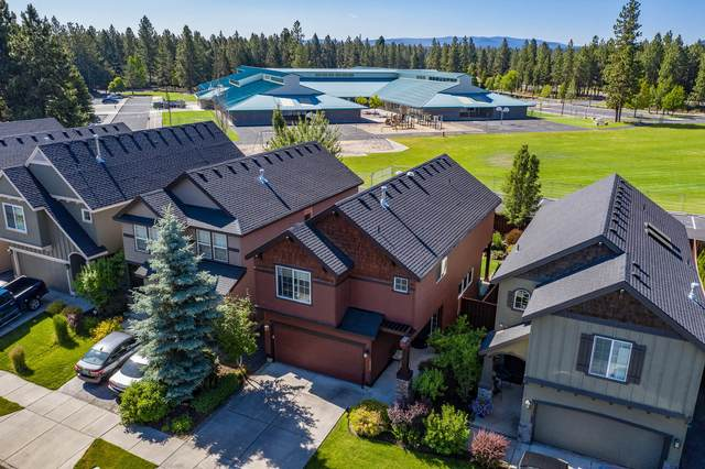 19549 Salmonberry Court, Bend, OR 97702 (MLS #220104747) :: Berkshire Hathaway HomeServices Northwest Real Estate