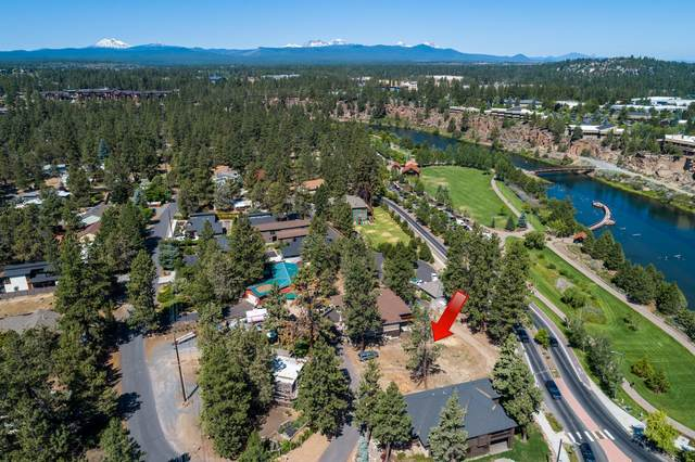 19869 Alderwood Circle, Bend, OR 97702 (MLS #220104755) :: Berkshire Hathaway HomeServices Northwest Real Estate