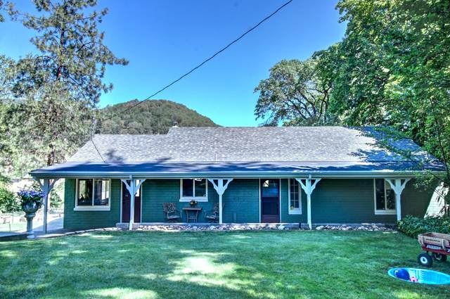 2176 Lampman Road, Gold Hill, OR 97525 (MLS #220104774) :: FORD REAL ESTATE