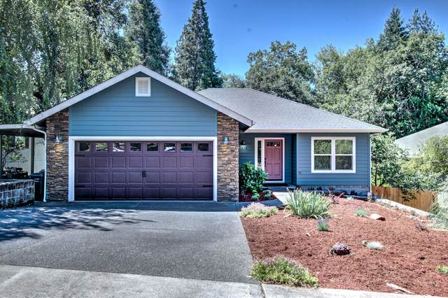 1219 NW Bellevue Place, Grants Pass, OR 97526 (MLS #220104797) :: FORD REAL ESTATE