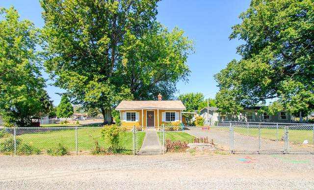 5161 Gebhard Road, Central Point, OR 97502 (MLS #220104833) :: Berkshire Hathaway HomeServices Northwest Real Estate