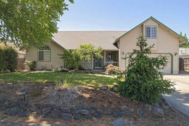 554 Crystal Drive, Eagle Point, OR 97524 (MLS #220104882) :: FORD REAL ESTATE