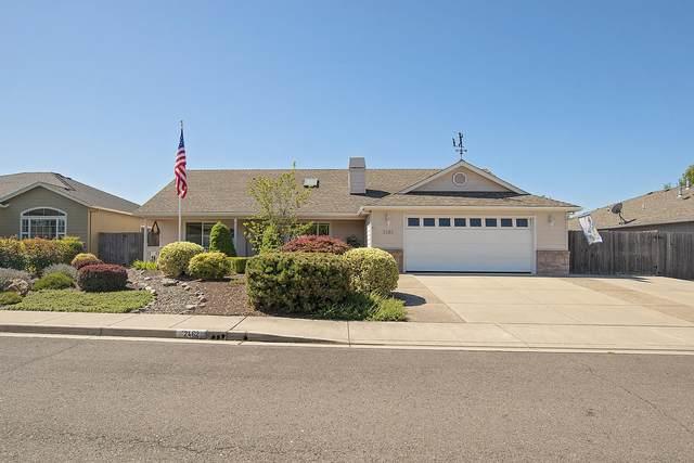 2462 Rabun Way, Central Point, OR 97502 (MLS #220104889) :: Berkshire Hathaway HomeServices Northwest Real Estate