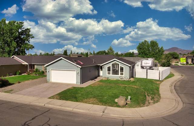 1224 Rochelle Court, Central Point, OR 97502 (MLS #220104908) :: Berkshire Hathaway HomeServices Northwest Real Estate