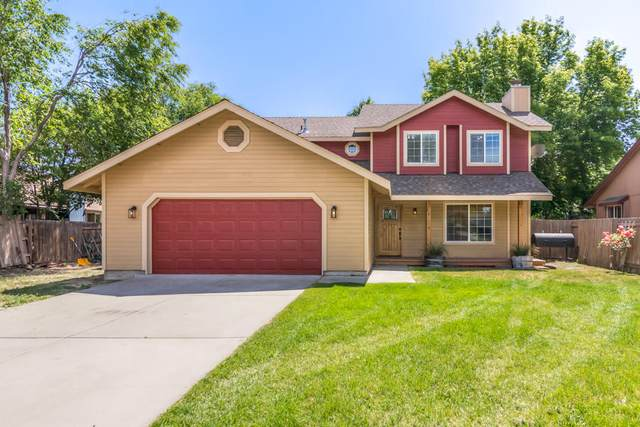 932 NW 21st Street, Redmond, OR 97756 (MLS #220104911) :: Berkshire Hathaway HomeServices Northwest Real Estate