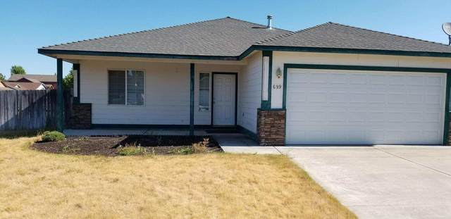 699 NE Quince Avenue, Redmond, OR 97756 (MLS #220104913) :: Berkshire Hathaway HomeServices Northwest Real Estate