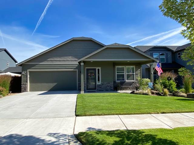21370 NE Eagle Crossing Ave, Bend, OR 97701 (MLS #220104916) :: Berkshire Hathaway HomeServices Northwest Real Estate