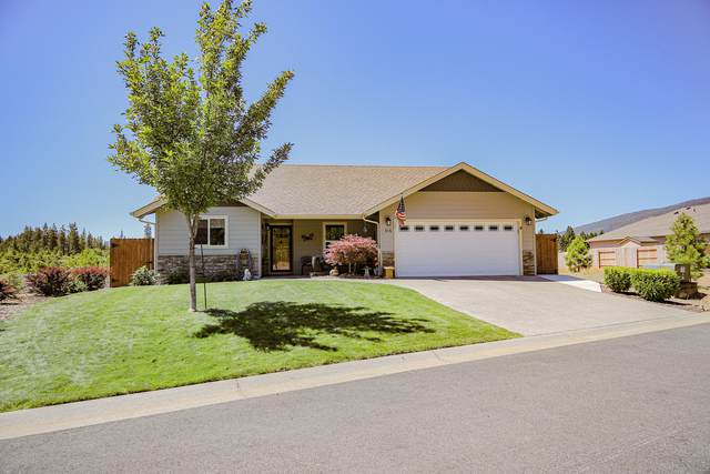 316 Cedar Ridge Drive, Cave Junction, OR 97523 (MLS #220104924) :: Berkshire Hathaway HomeServices Northwest Real Estate