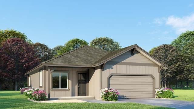 2920 NW Hemlock Lane, Redmond, OR 97756 (MLS #220104955) :: Fred Real Estate Group of Central Oregon