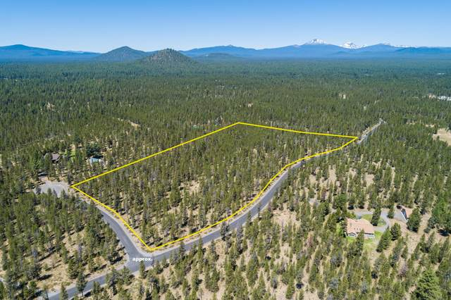 55025 Pinewood Avenue, Bend, OR 97707 (MLS #220104999) :: Rutledge Property Group