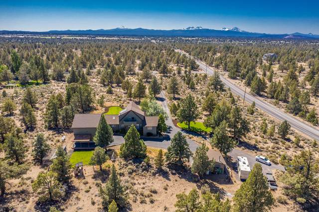 60786 SE Bozeman Trail, Bend, OR 97702 (MLS #220105033) :: Rutledge Property Group