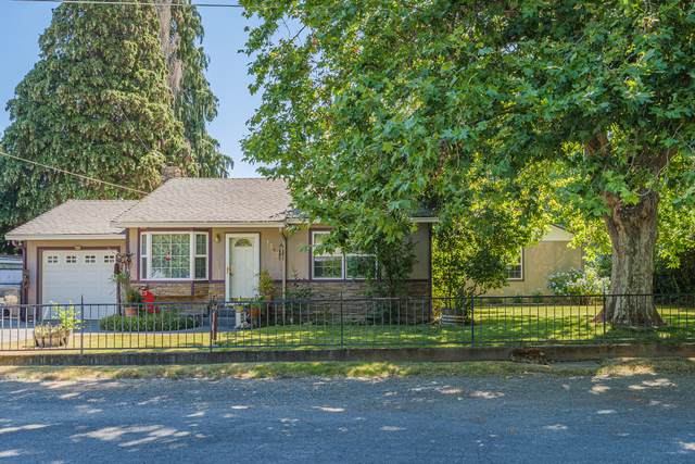1247 Watson Drive, Grants Pass, OR 97526 (MLS #220105037) :: FORD REAL ESTATE